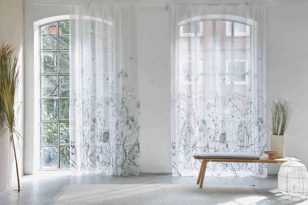 MASTO-Dekorationen-CreationBaumann-Gardine_JoyOfLive-Manhatten-Garden